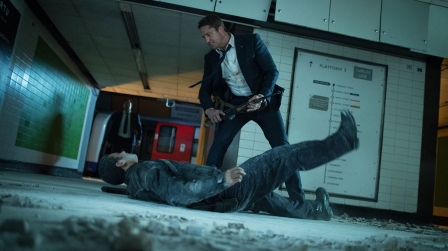 Gerard Butler beats on a terrorist in London Has Fallen